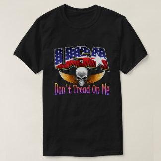 Camiseta T-shirt do crânio dos EUA por AntsAfire