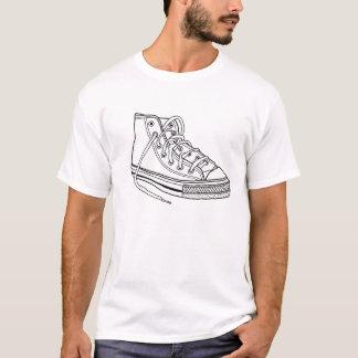 Camiseta T-shirt do design da sapatilha das caras