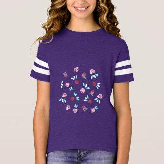 Camiseta T-shirt do futebol de meninas de flores do trevo