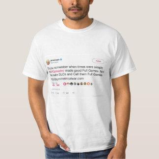 Camiseta T-shirt do gráfico do Tweet da celebridade