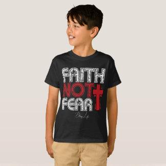 Camiseta T-shirt do Hanes TAGLESS® dos miúdos do medo da fé