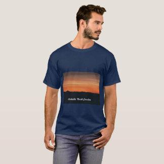 Camiseta T-shirt dos azuis marinhos dos homens com cena do