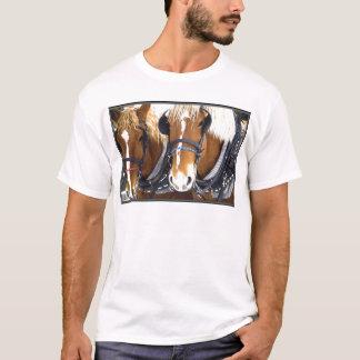 Camiseta T-shirt dos cavalos de esboço de Clydesdale