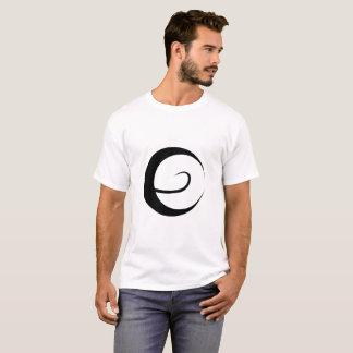 Camiseta T-shirt escuro dos homens da dimensão