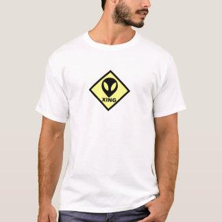 Camiseta T-shirt estrangeiro do sinal do cruzamento