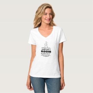 Camiseta T-shirt inspirado do V-Pescoço da mulher