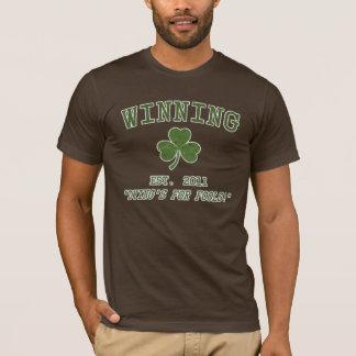 Camiseta T-shirt irlandês de vencimento do brilho