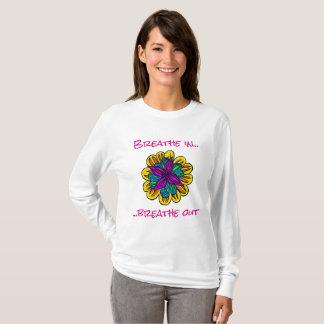 Camiseta T-shirt longo da luva de flower power