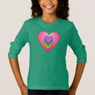 Camiseta T-shirt longo da luva do coração da menina