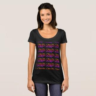 Camiseta T-shirt nivelado seguinte do pescoço da colher das