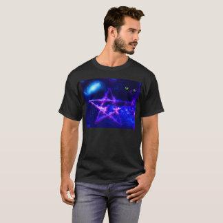 Camiseta T-shirt preto dos homens com design espiritual
