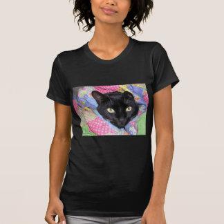 Camiseta T-shirt preto: Gato engraçado envolvido nas
