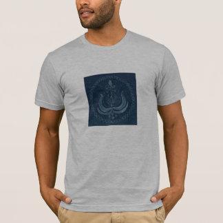 Camiseta T-shirt shirtsleeved cinzas com design na parte