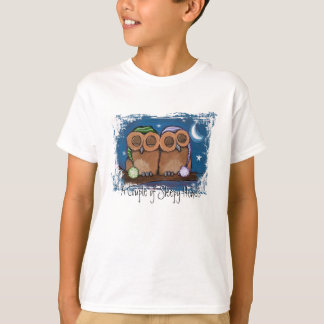Camiseta T-shirt sonolento bonito das corujas