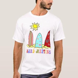 Camiseta T-shirt surfando do conselho de surf