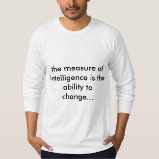 Camiseta T sleeved longo com citações de Einstein