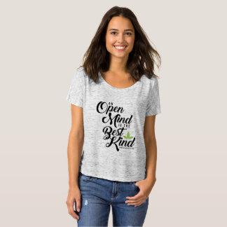 Camiseta T Slouchy da mente aberta de Cannatopia do