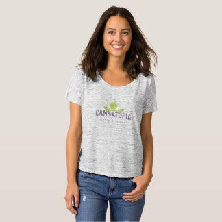 Camiseta T Slouchy do logotipo do fumo do Cannatopia das