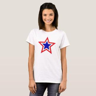 Camiseta T vermelho das estrelas brancas e azuis