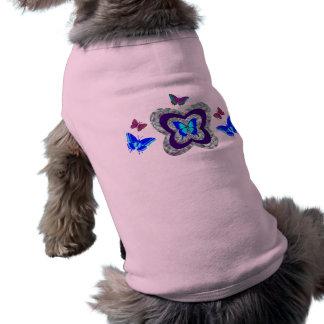 Camiseta T vibrante do cão das borboletas