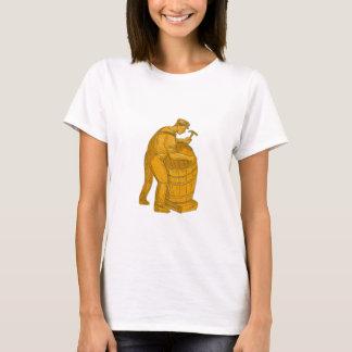 Camiseta Tanoeiro que faz o desenho de madeira do tambor
