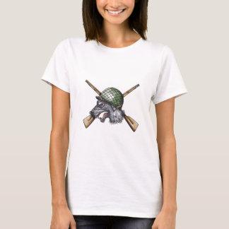 Camiseta Tatuagem cruzado capacete dos rifles do lobo