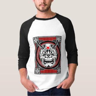 Camiseta Tatuagens tribais com design tribal da máscara da
