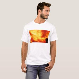 Camiseta Tempestade Infernal por KLMjr.