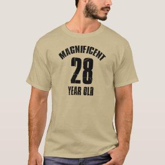 Camiseta TENDENDO o DESIGN do ANIVERSÁRIO das pessoas de 28