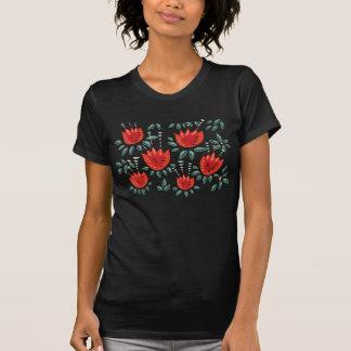 Camiseta Teste padrão floral escuro da tulipa vermelha