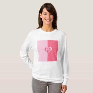 Camiseta teste padrão geométrico dos triângulos do coração