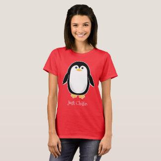Camiseta Texto bonito do costume do pinguim do bebê