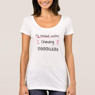 Camiseta Texto editável: . .chasing… (gêmeos, adolescentes,