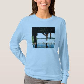 Camiseta th_deck, Sittin na doca da baía…