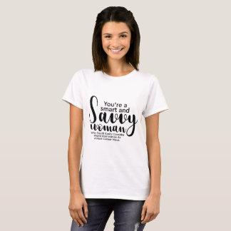 Camiseta Tipografia branca preta Smart e mulher esclarecido