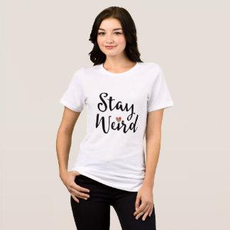 Camiseta Tipografia lunática estranha da estada com coração
