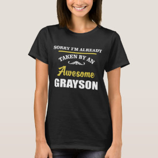 Camiseta Tomado por um GRAYSON impressionante. Aniversário