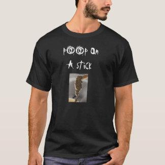 Camiseta tombadilho em uma chapa do mocoid da vara, p00p O…