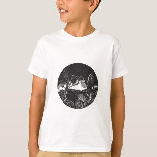 Camiseta Torre da torre de sino no Woodcut do círculo das
