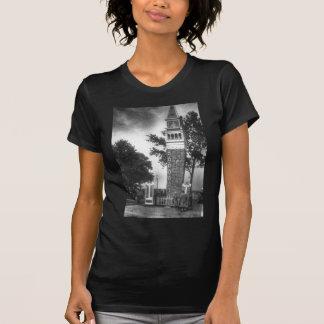 Camiseta Torre preto e branco
