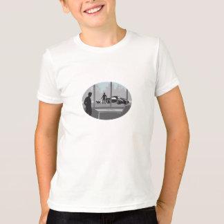 Camiseta Trabalhador de escritório que olha através do