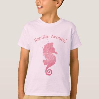 Camiseta Trabalhos de arte lunáticos e adoráveis do cavalo