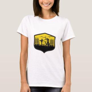 Camiseta Trator que colhe a crista da fazenda do trigo