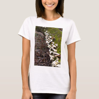 Camiseta tree_moss_winter mushroom_downed