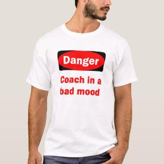 Camiseta Treinador do PERIGO em um t-shirt mau do humor