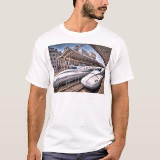 Camiseta Trens de bala japoneses na estação de Tokyo