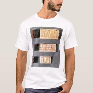Camiseta Três selos do cilindro com impressões,