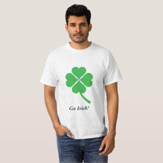 Camiseta Trevo da folha do verde quatro