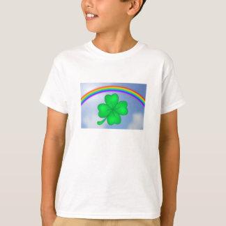 Camiseta Trevo De Quatro Folhas com arco-íris