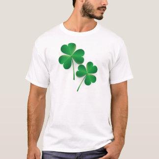 Camiseta Trevo do verde do dia de um St Patrick
